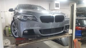 M-Pakket met M-Performance carbon frontlip